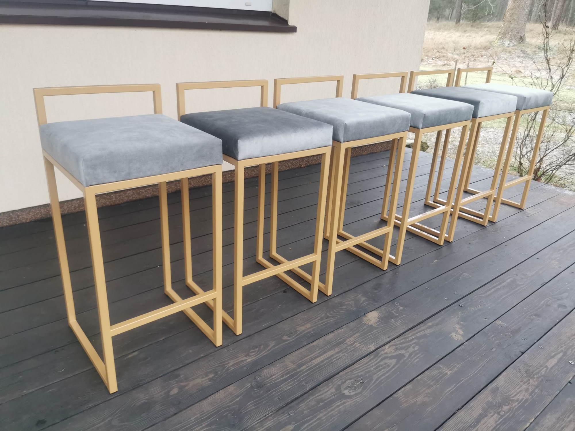 Baro kėdė 10